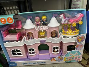 Toy- The royal castle dollhouse for Sale in Elkridge, MD