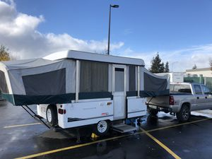 Coleman Santa Fe pop up camper for Sale in Bon Aqua, TN