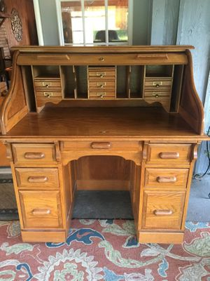 Desk for Sale in Philadelphia, MS