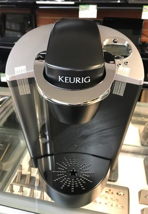 Keurig coffee maker B60 wr for Sale in Everett, WA