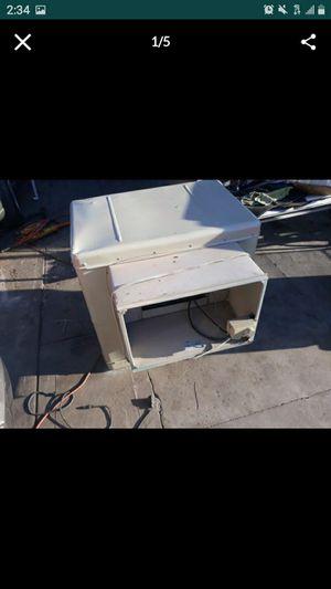 Cooler trabajabien notiene latapade en frente for Sale in San Bernardino, CA