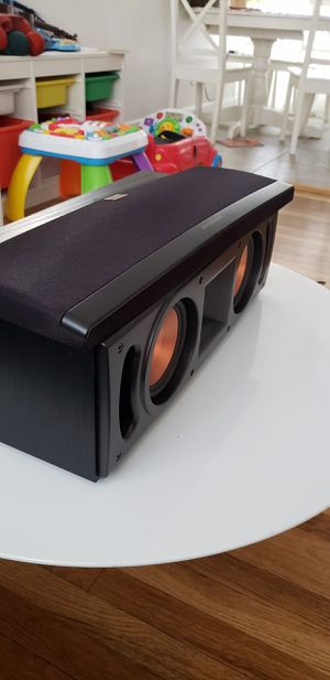 KLIPSCH RC52II like new for Sale in Los Angeles, CA