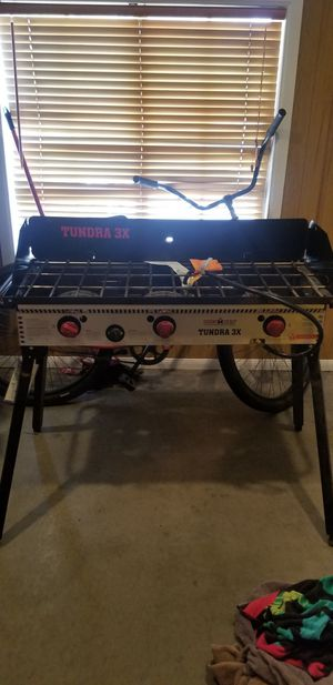 Camp cheff 3 buner stove for Sale in Victorville, CA