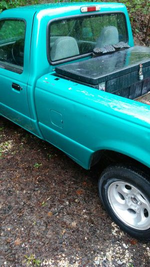 93 ford ranger 4cylender 5 speed for Sale in St. Louis, MO