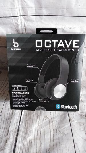 New Cute Bluetooth Headphone ( New with box ) for Sale in Frederick, MD