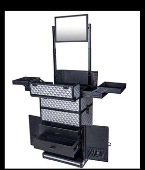 Brand new in box Shany Rebel Pro Rolling Make Up Case in Metallic Bond (silver) for Sale in Phoenix, AZ