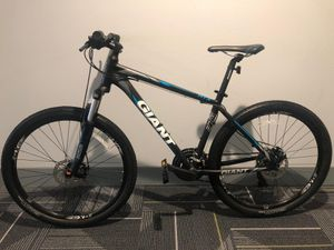 Giant ATX 2 Mountain Bike $640 MTB Santa Cruz for Sale in Irvine, CA