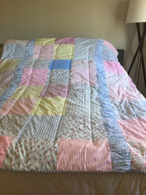Laura Ashley Comforter/Quilt for Sale in Portland, OR