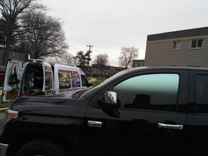 Polarisados TINT WINDOWS ISTALATION for Sale in Adelphi, MD