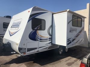 2011 LANCE 1685 Travel Trailer for Sale in Peoria, AZ