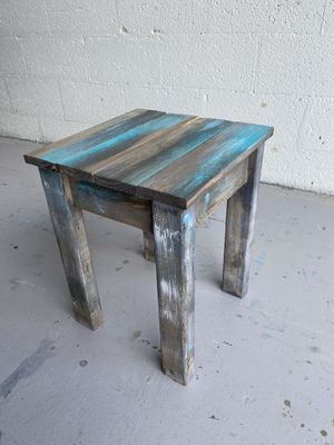 1 person stool for Sale in Hialeah, FL