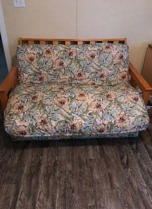 Futon pullout bed with mattress. Wood frame. for Sale in Dade City, FL