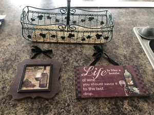 wine wall decor and basket for Sale in South Amherst, OH