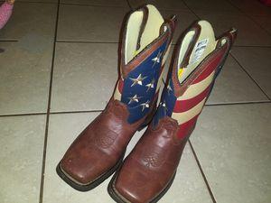 Vendo botas de niño en buen estado for Sale in Houston, TX
