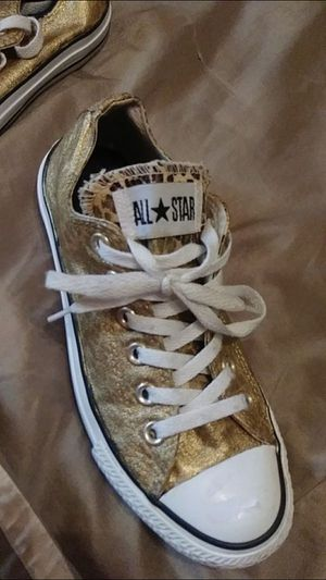 Gold converse size 7 $40 for Sale in Mesquite, TX