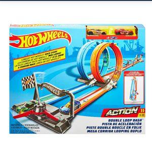 Hot Wheel Double Loop Dash Drag Racing Set for Sale in Pinellas Park, FL