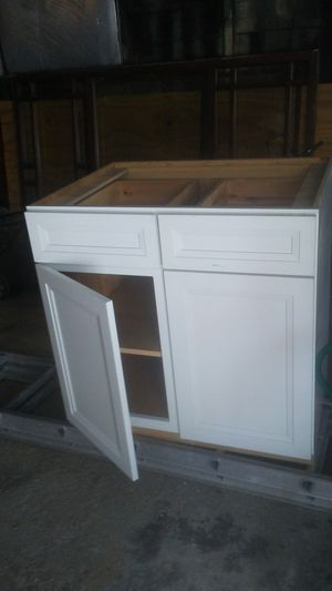 Cabinet kraft maid for Sale in Lakewood, OH