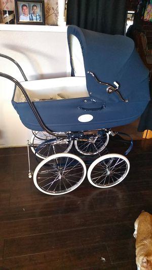 Inglesina baby bugie for Sale in Garden Grove, CA