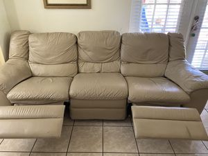 PERFECT CONDITION-REAL LEATHER for Sale in Miami, FL