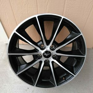 """2016 Ford Mustang 19"""" Wheel Rim Set for Sale in Highland, CA"""