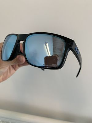 OAKLEY HOLBROOK H20 DEEP WATER PRIZM POLARIZED SUNGLASSES for Sale in Ontario, CA