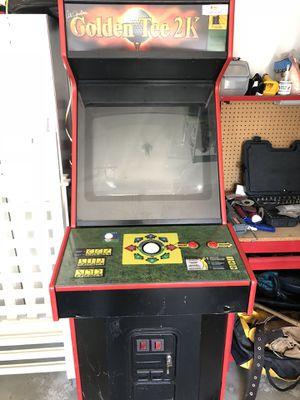 Golden Tee 2K Arcade Game(needs repair) for Sale in Marysville, WA
