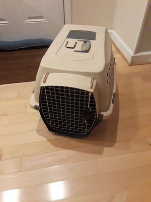 Petmate Kennel Cab - 25x17x17 for small dogs or cats for Sale in Lisle, IL