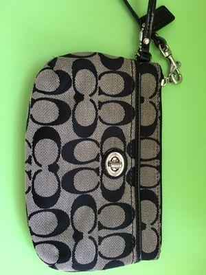 Small hand bag for Sale in Falls Church, VA