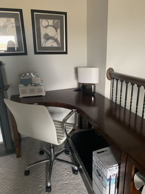 Corner Desk with shelves for Sale in FL, US