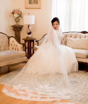 Wedding dress for Sale in Avondale, AZ