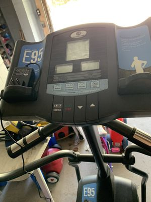 Elliptical exercise machine for Sale in Broadview Heights, OH