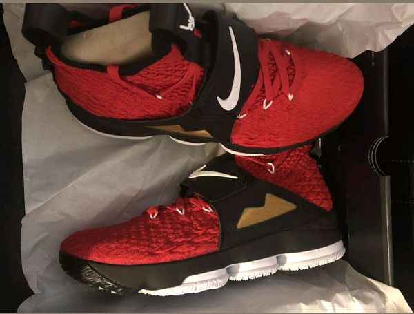 f9a5f7cc34f LeBron 15 Diamond Turf Red- 260 OBO for Sale in Mesa