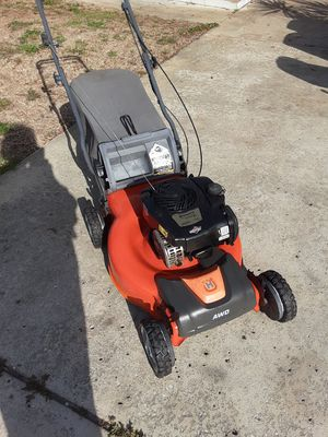 Lawn mower husqvarna and self propelled 6.25 for Sale in FL, US