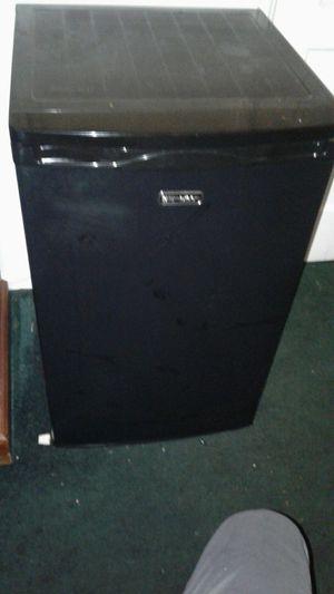 Emerson mini fridge with freezer for Sale in Culver City, CA