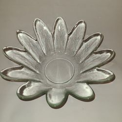 "9"" Glass decorative bowl for Sale in Winter Garden,  FL"