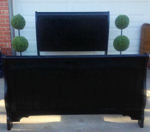 Full size bed frame for Sale in Yukon, OK