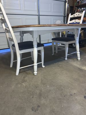 Table with 2 chairs for Sale in Fresno, CA