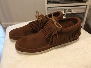 Minnetonka moccasins women's shoes ankle boots fringe for Sale in North Olmsted, OH
