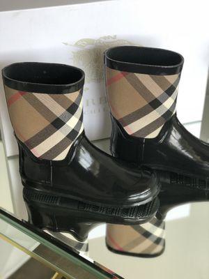 Burberry rain boots with box for Sale in Dallas, TX