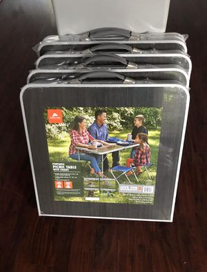 Aluminum portable picnic table w/chairs for Sale in Houston, TX