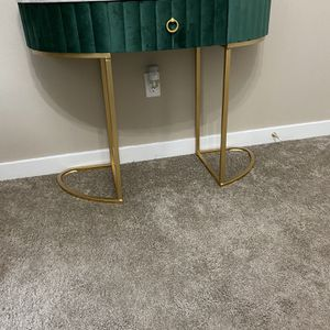 Consul table New Never been use for Sale in Kent, WA