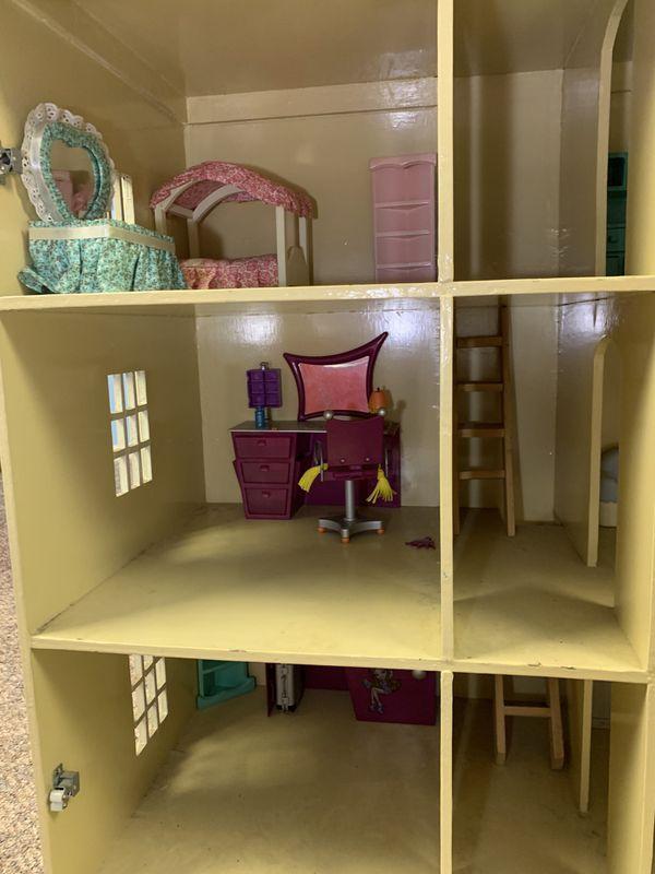 Handmade Indonesian dollhouse