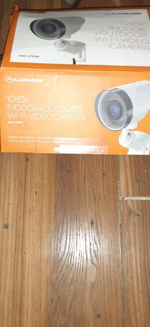 1080p indoor outdoor Wi-Fi video camera for Sale in San Antonio, TX
