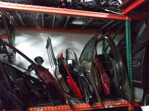 Doors for cars. Nissan Toyota ford Chevrolet Honda and more for Sale in Miami, FL