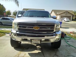 2012 Chevy LT Silverado brand new transmission just rebuilt the rear-end and new power steering barley broke in clean truck inside and out 30,0000 for Sale in Farmersville, CA