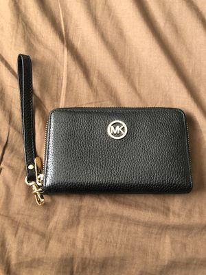 MK phone wallet wristlet for Sale in Sandy, UT