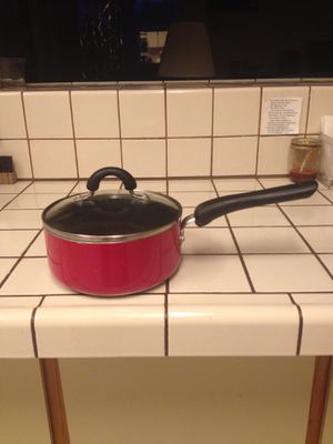 Very handy and good pot for coking with see thru lid for Sale in Azusa, CA