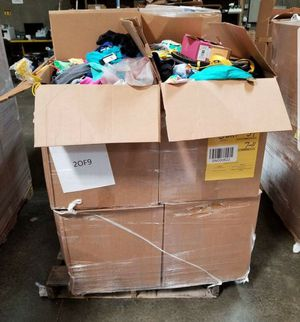 Paleta ropa ñiños/ñiños Target nueva for Sale in Lynwood, CA