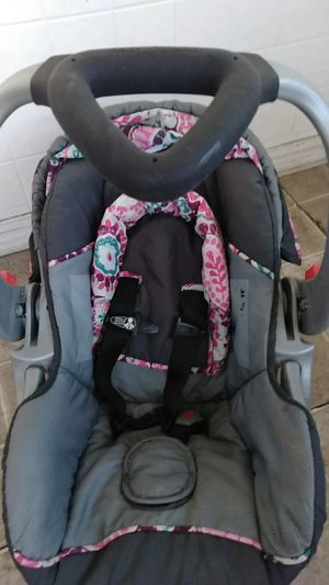 Baby trends Car seat for Sale in Northwood, OH