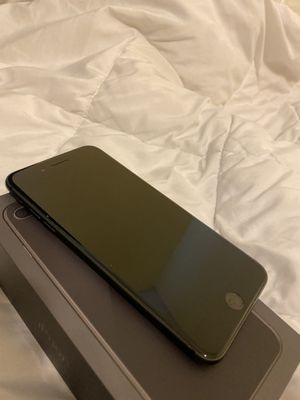 Apple iPhone 8 Plus 64 gb Unlocked for Sale in Sebastian, FL